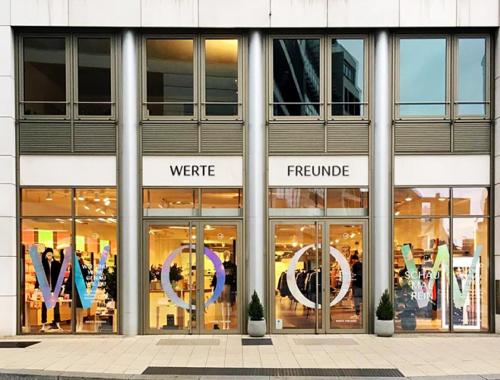 Werte Freunde eröffnet Laden in Hamburg